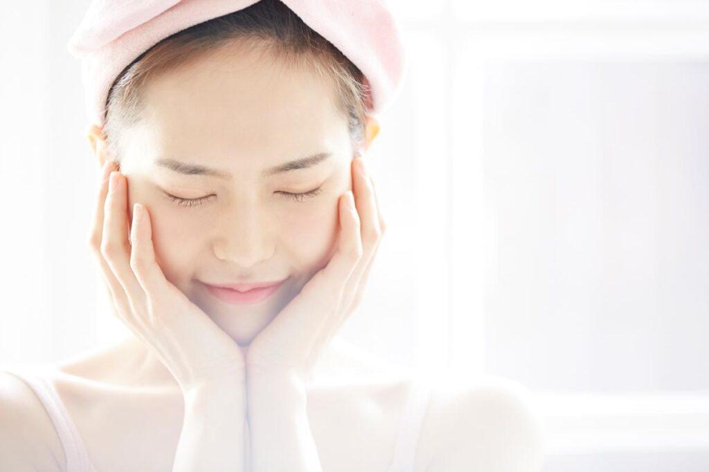 紫外線対策や肌を優しく扱うなど日々の心がけでシミを予防しましょう